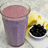 Blueberry Banana Smoothie with Skinny Noodles